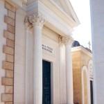 Cappella gentilizia con base in Pietra Lavica