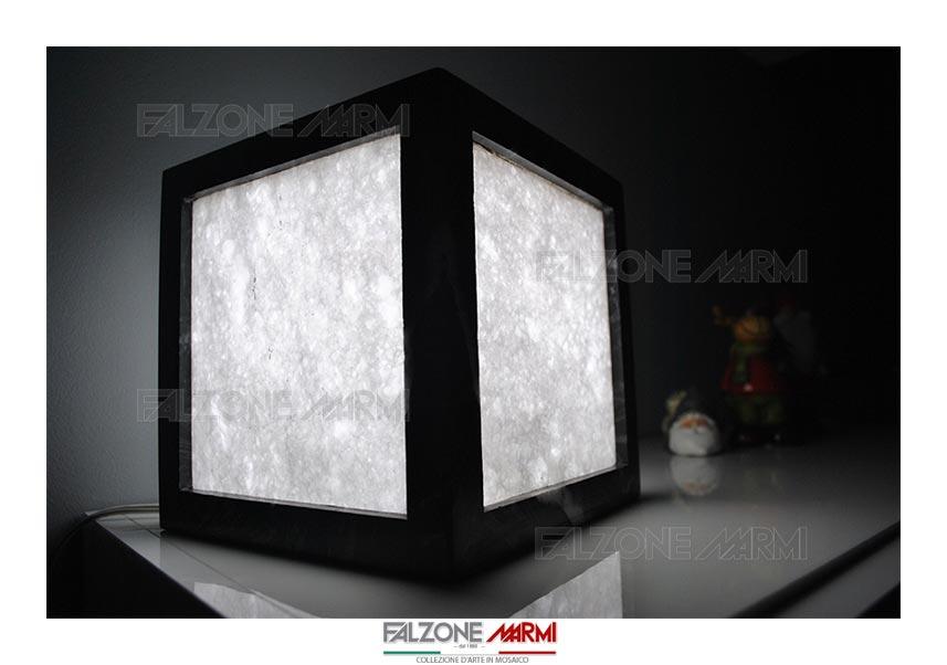 Lampada in marmo bianco assoluto