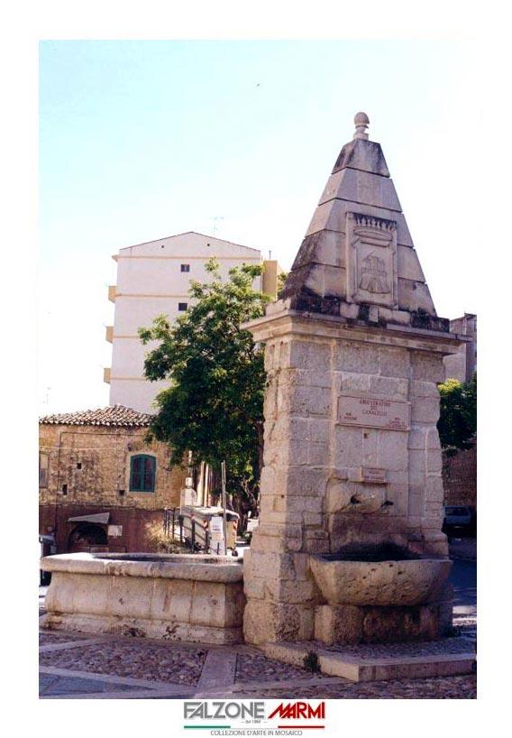 Fontana in pietra ubucata a Caltanissetta, Zona San Francesco