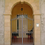 Rivestimento frontale ingresso in Pietra Sabucina
